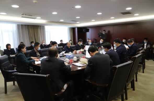 内蒙古自治区政协主席李秀领一行走访金融机构督办调研中小企业融资难问题